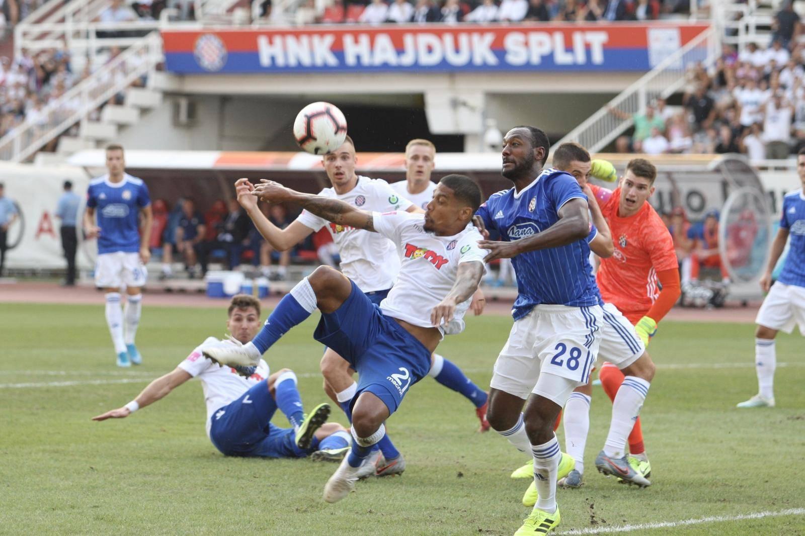 Split: HNK Hajduk i GNK Dinamo u okršaju 7. kola Prve HNL na Poljudu
