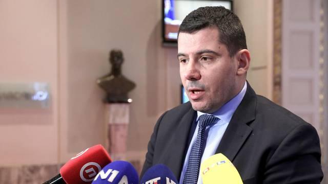Zagreb: Nikola Grmoja dao izjavu novinarima u Saboru