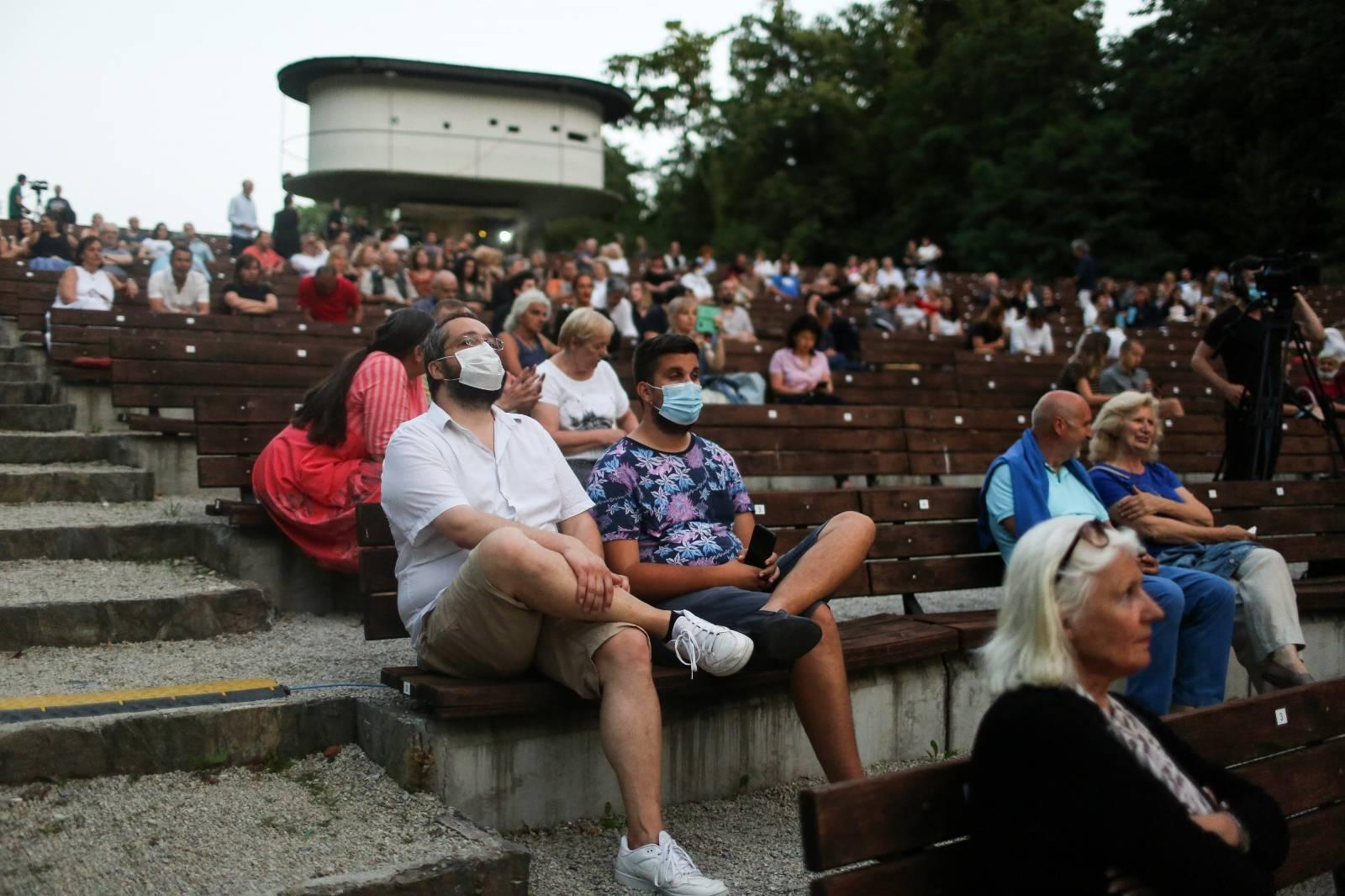 San filmske noći Gabi Novak na Ljetnoj pozornici Tuškanac