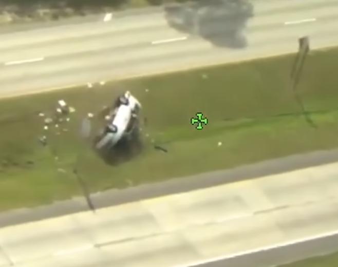 Bježala od policije na Floridi pa izgubila kontrolu i prevrnula se