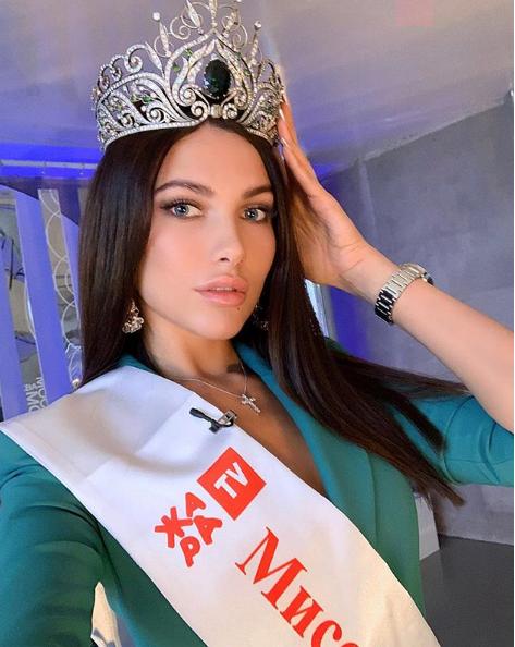 Uzeli joj krunu: Miss lagala da je bolesna, pa otišla na Maldive