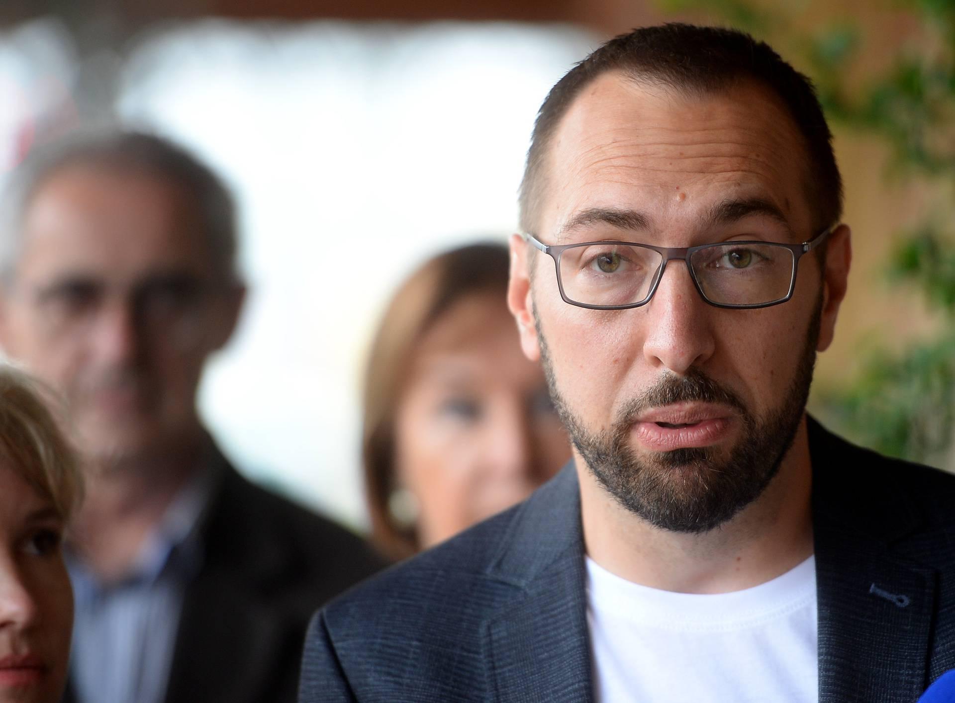 Tomašević: 'Neprihvatljivo je da privatno poduzeće raspolaže s tim podacima, to nema nigdje'