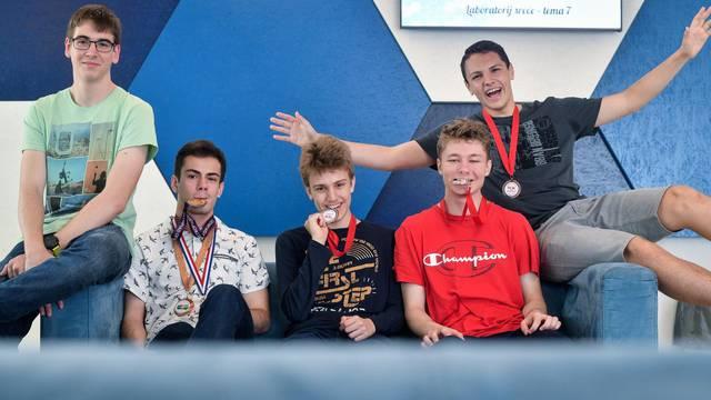 Pokorili su Ameriku: Ekipa iz MIOC-a su prvaci u informatici