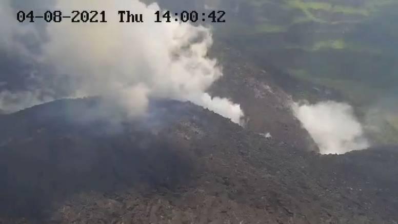 Eruptirao vulkan na Karibima, stup dima visok 10 kilometara
