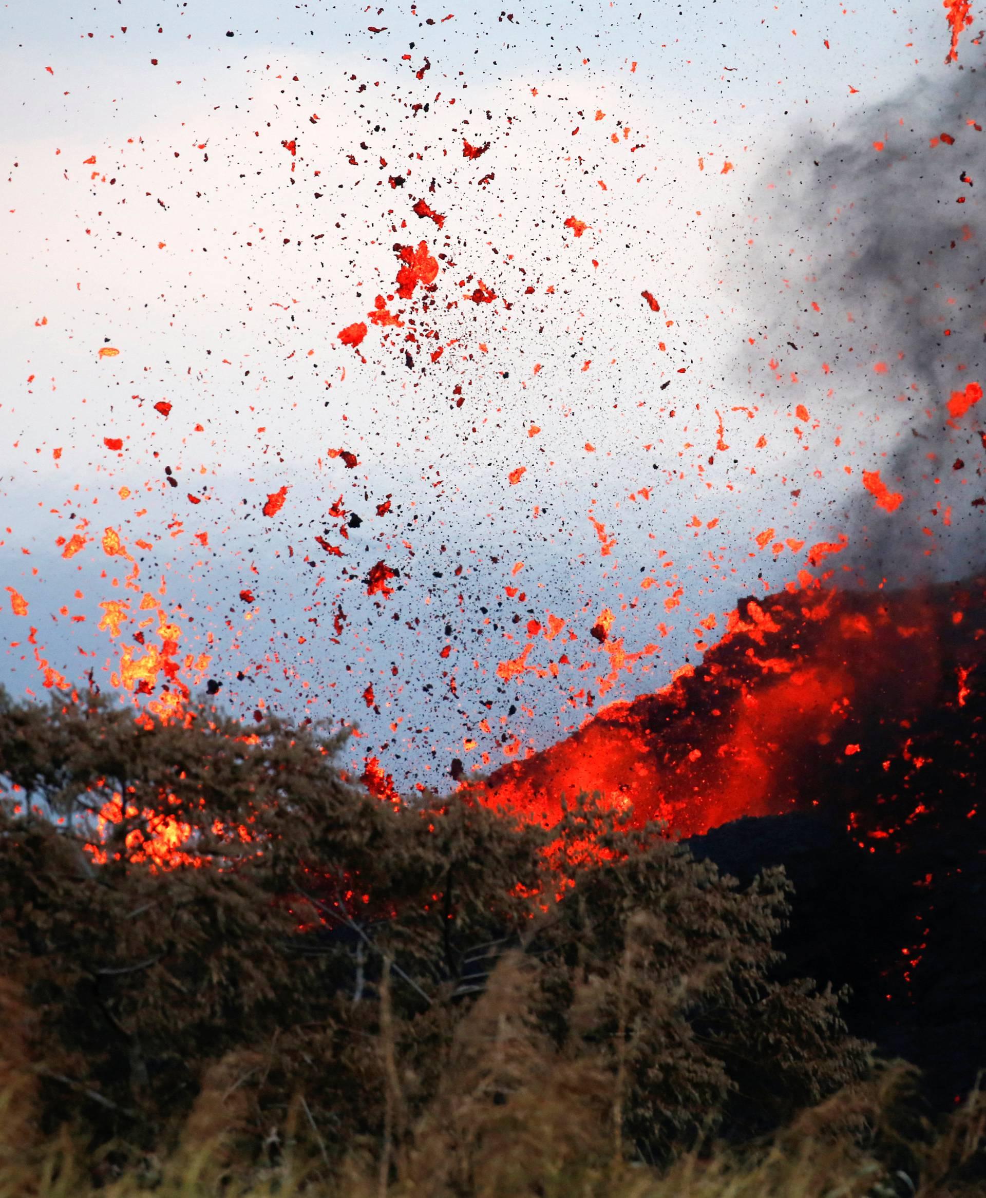 Lava erupts on the outskirts of Pahoa