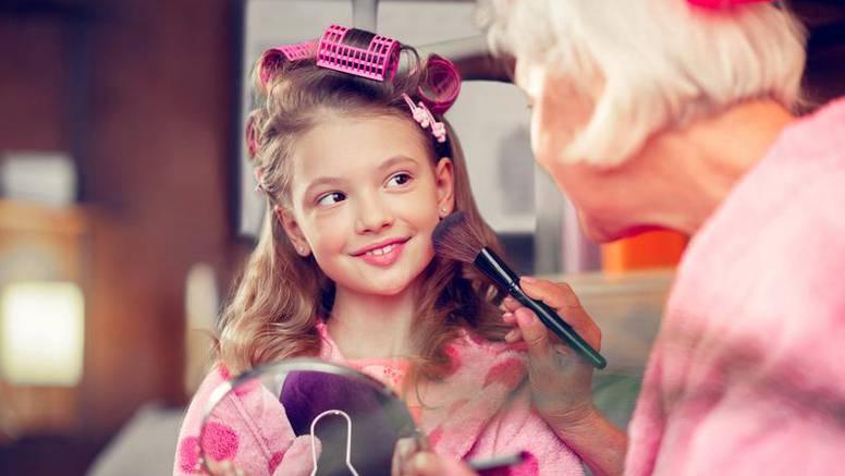 15 savjeta naših baka za ljepotu kože i kose, za mladolik izgled, šminkanje, prirodne parfeme...