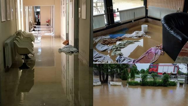 Jako nevrijeme: Poplavile kuće i bolnica, voda izbijala šahtove