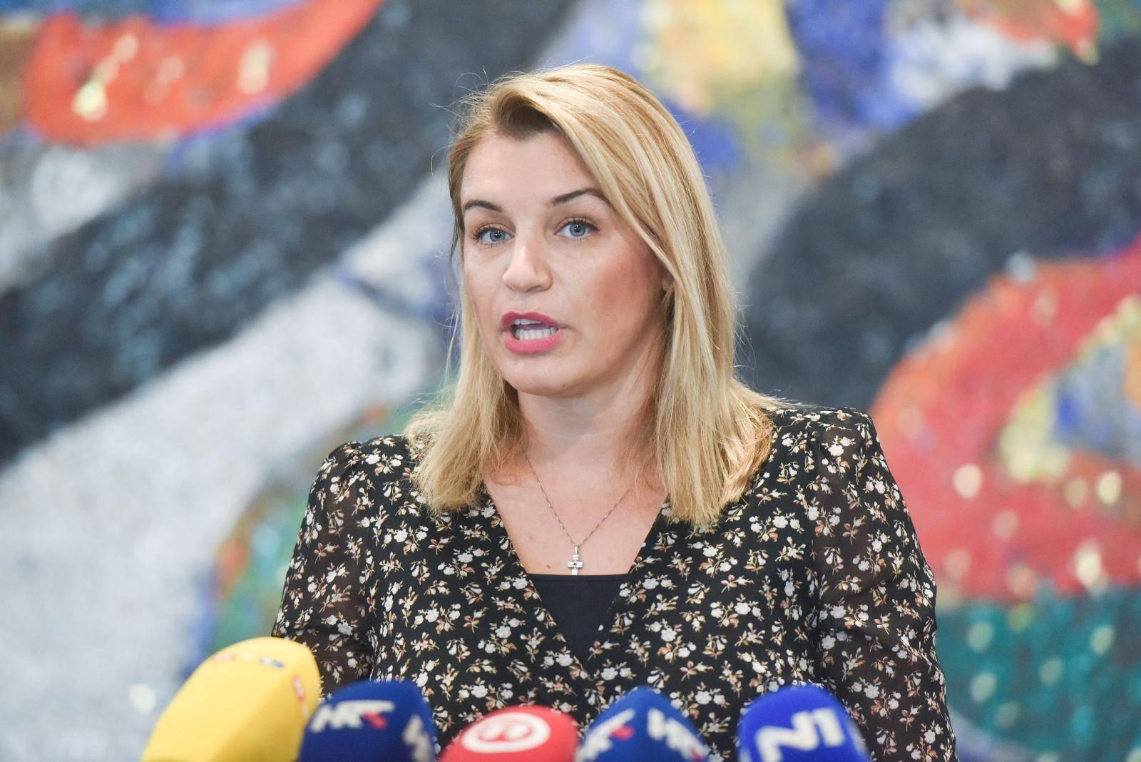 Zagreb: Ministrica Brnjac održala konferenciju nakon sastanka s predstavnicima turističkog sektora