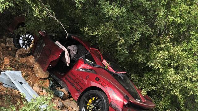 Sudar od par milijuna kuna: Čeh je skršio Ferrari kod Karlobaga