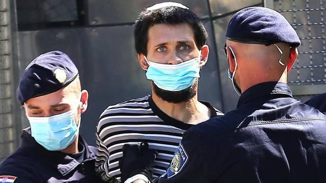 Policija dovodi osumnjičenog za ubojstvo u kuću u Gaćeleze kako bi se rekonstruirao događaj