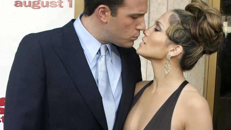 Affleck razgledavao prstenje kod Tiffanyja, planira li opet kleknuti pred Jennifer Lopez?