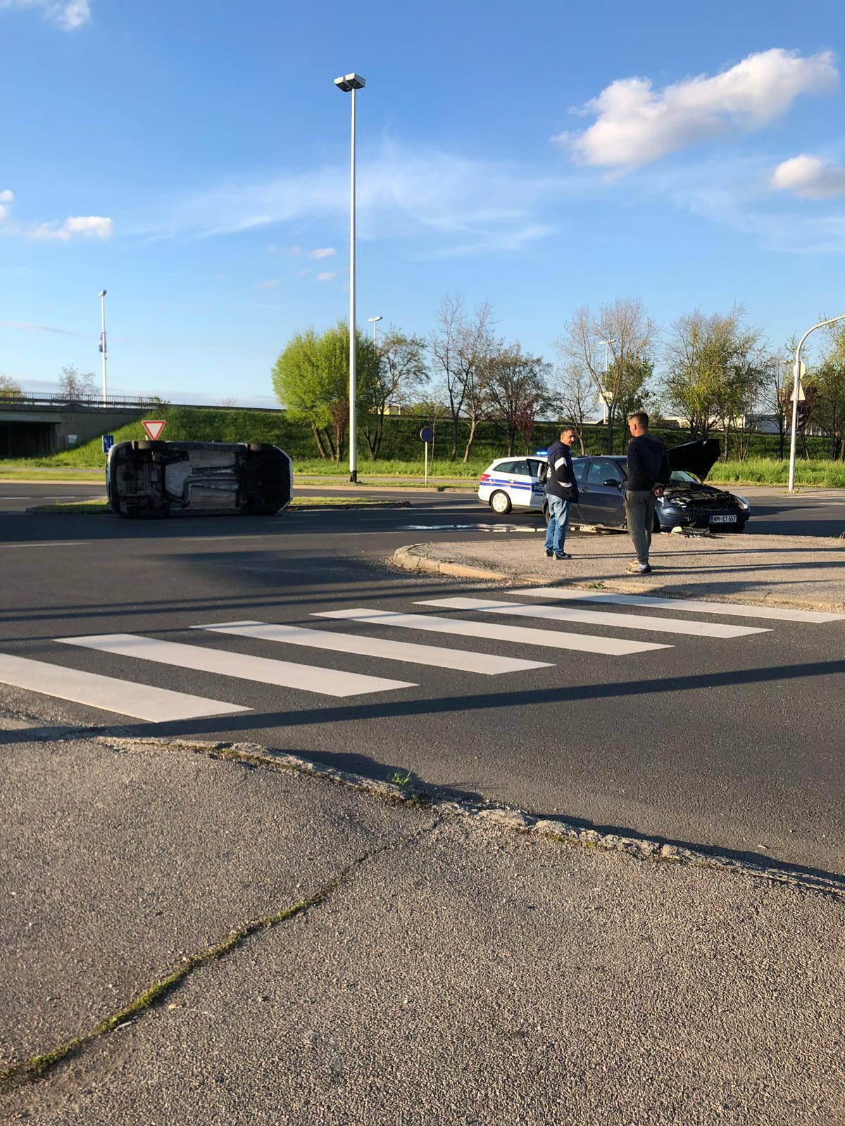Dvoje ljudi ozlijeđeno u sudaru u Zagrebu: Promet je prekinut