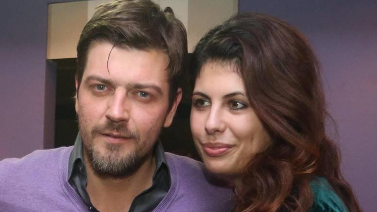 Supruga Amara Bukvića: 'Pa u kakve se  životinje pretvaramo?'
