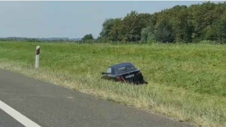 VIDEO Stranac vozio po kanalu na autocesti: 'Svi su bili spori u koloni, on je samo prolazio...'