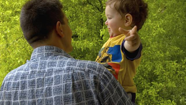 Poražavajuće: Na 1000 očeva samo dva su iskoristila dopust