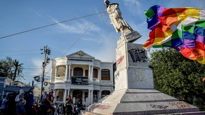 Uklonili kip Kristofora Kolumba, a  zamijenit će ga statua autohtone stanovnice Meksika