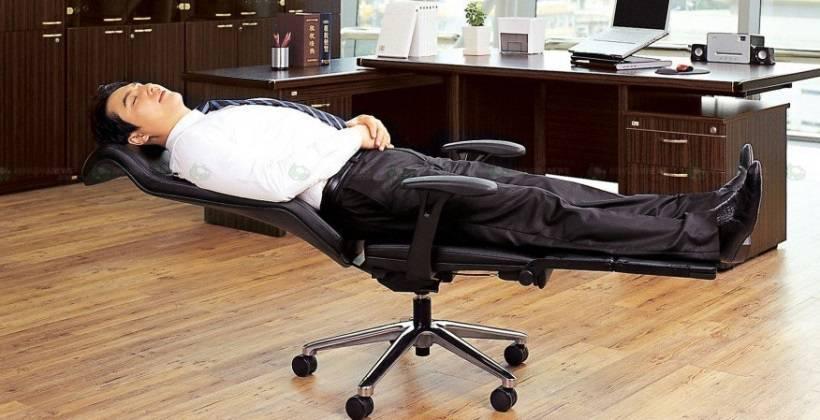 Najbolja stolica za posao: Može se čak i spustiti u ležeći položaj