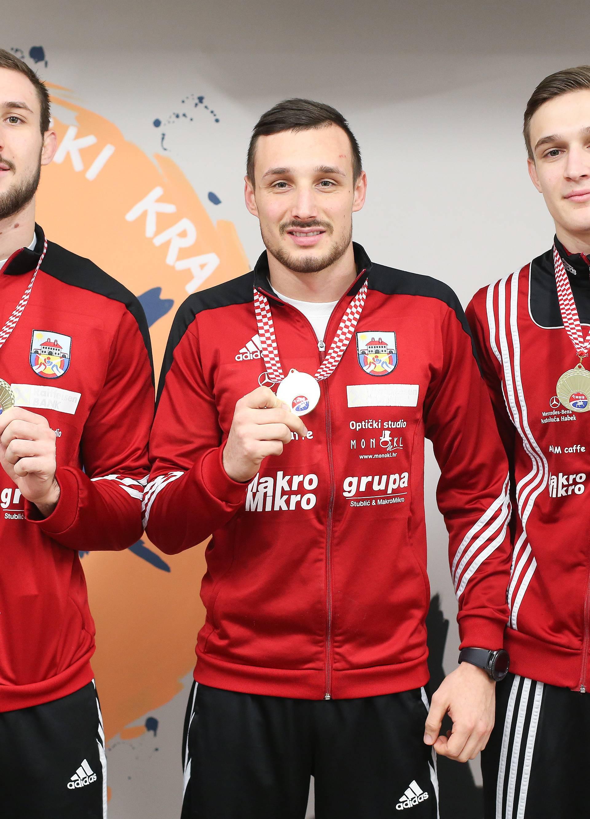 Šampioni iz iste kuće: Tri brata iz kluba hrvački prvaci države