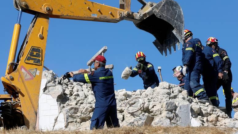 Snimili trenutak potresa od 6 Richtera na Kreti. Jedan čovjek poginuo, a tlo se i dalje trese