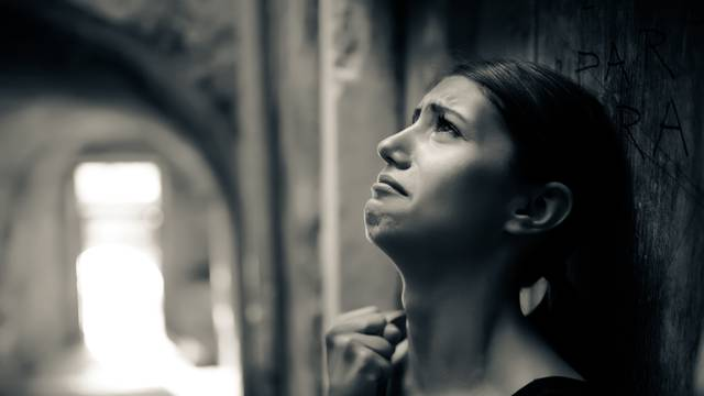 Žalovanje može proći tek kada se proživi svih pet faza tuge...