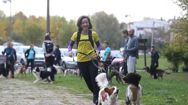 Zagreb: Na Dotrščini organizirana utrka s psima Canicross