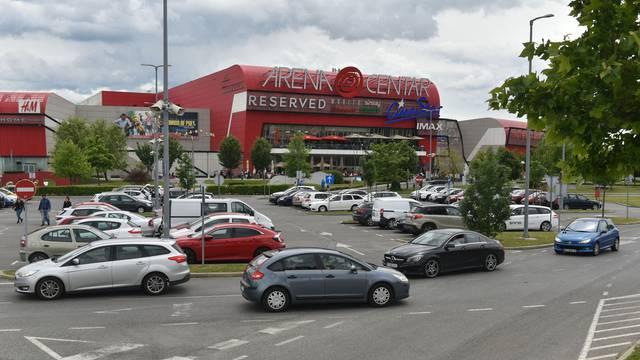 Zagreb: Trgovački centar Arena ponovno otvorio vrata svojim kupcima