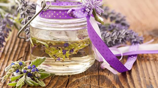 Ojačajte imunitet uz 5 najboljih eteričnih ulja: Pomažu kod kašlja, sluzi i virusnih infekcija