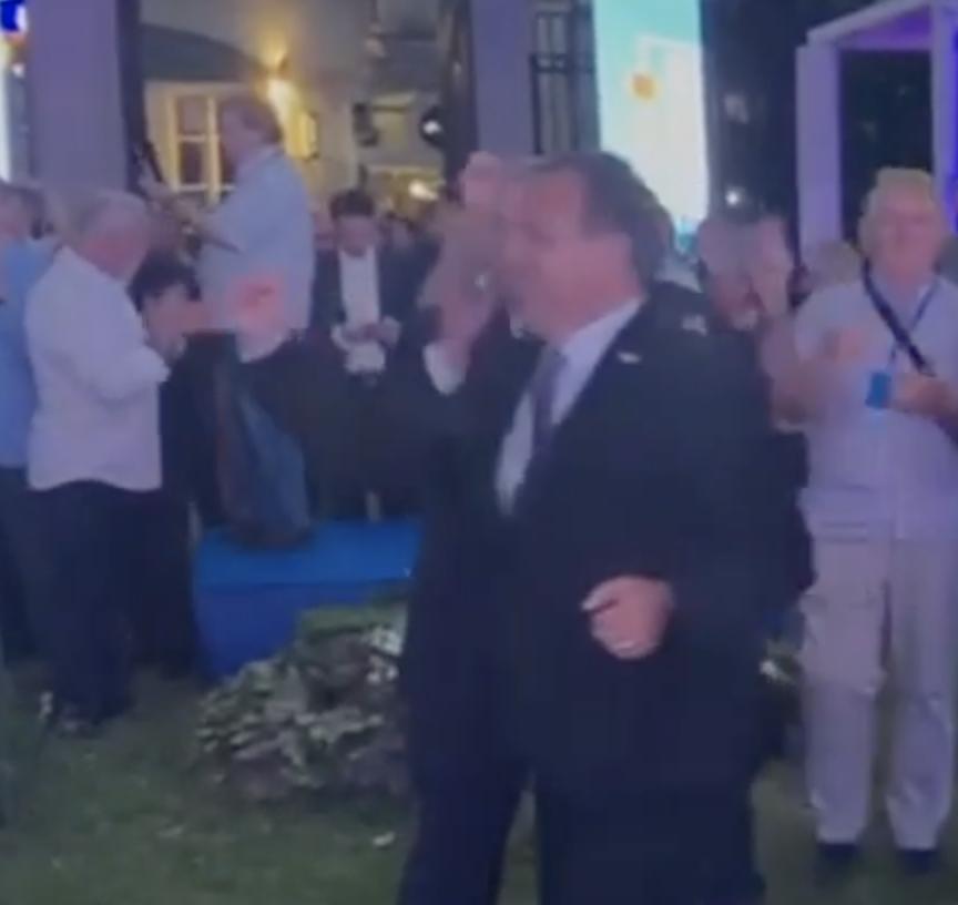 Distanca u drugom planu, HDZ u euforiji: I Vili Beroš zaplesao