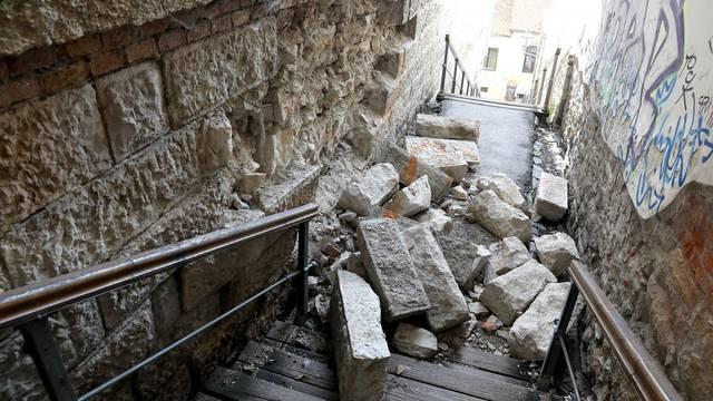 Zagreb: Ni nakon dva i pol mjeseca nakon potresa Male stube prema Tkalčićevoj nisu prohodne