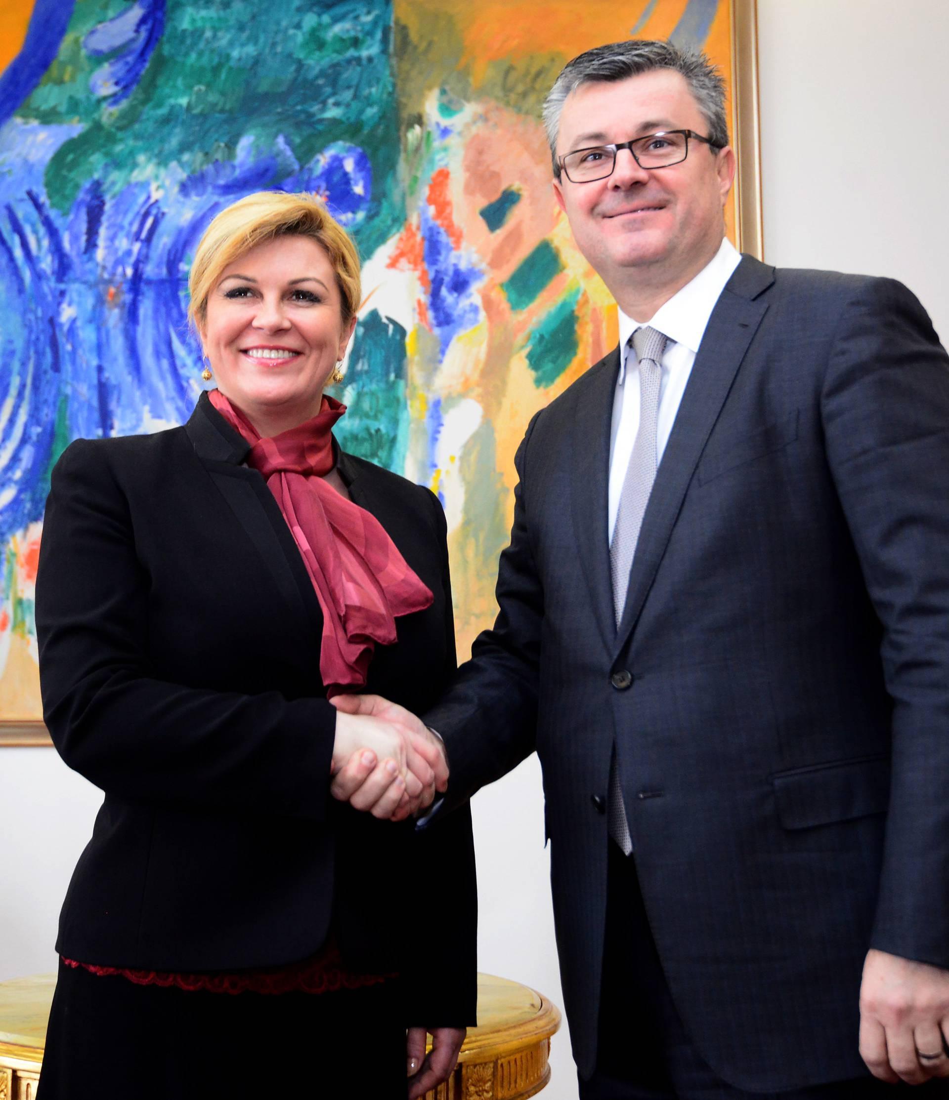HNS: Predsjednica i Orešković učinili su cijelu zemlju ranjivom