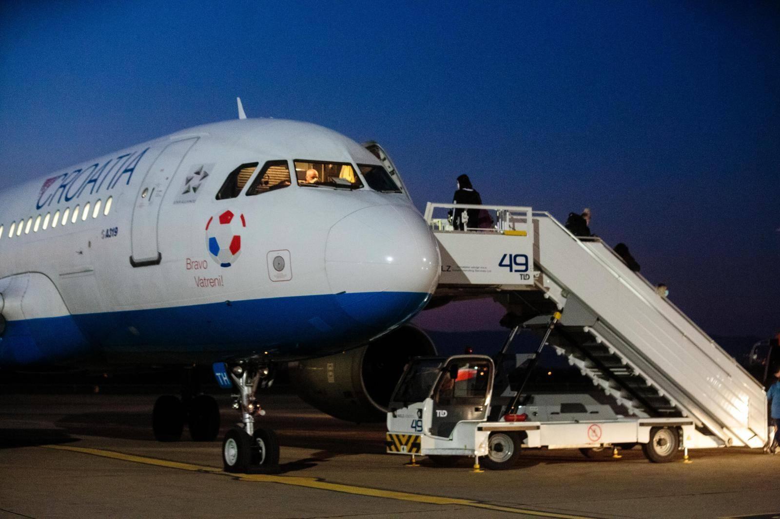 Drugi zrakoplov s hrvatskim državljanima stigao iz Amsterdama