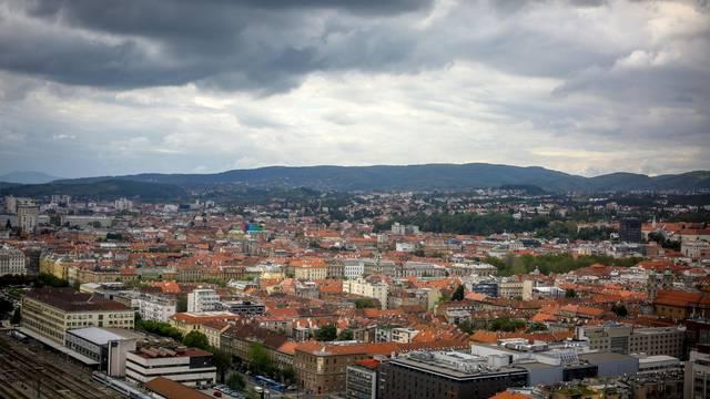 Zagreb: Kisni oblaci iznad grada