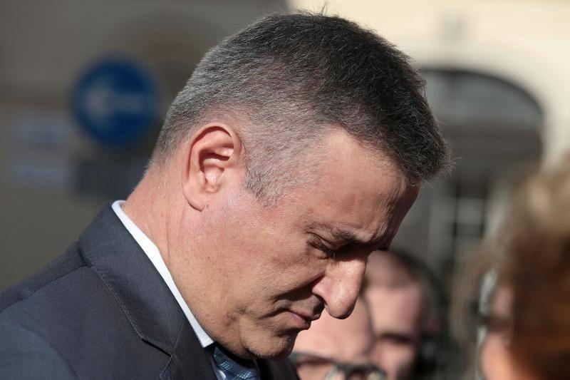 Prva sjednica Vlade premijera Oreskovica