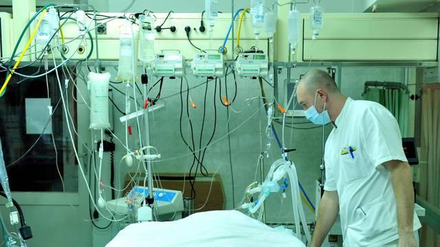Stigla gripa: 12 je oboljelo, kod troje su se razvile komplikacije