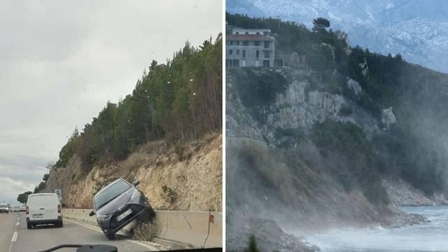 Bura poharala Dalmaciju: U Makarskoj otpuhalo Toyotu