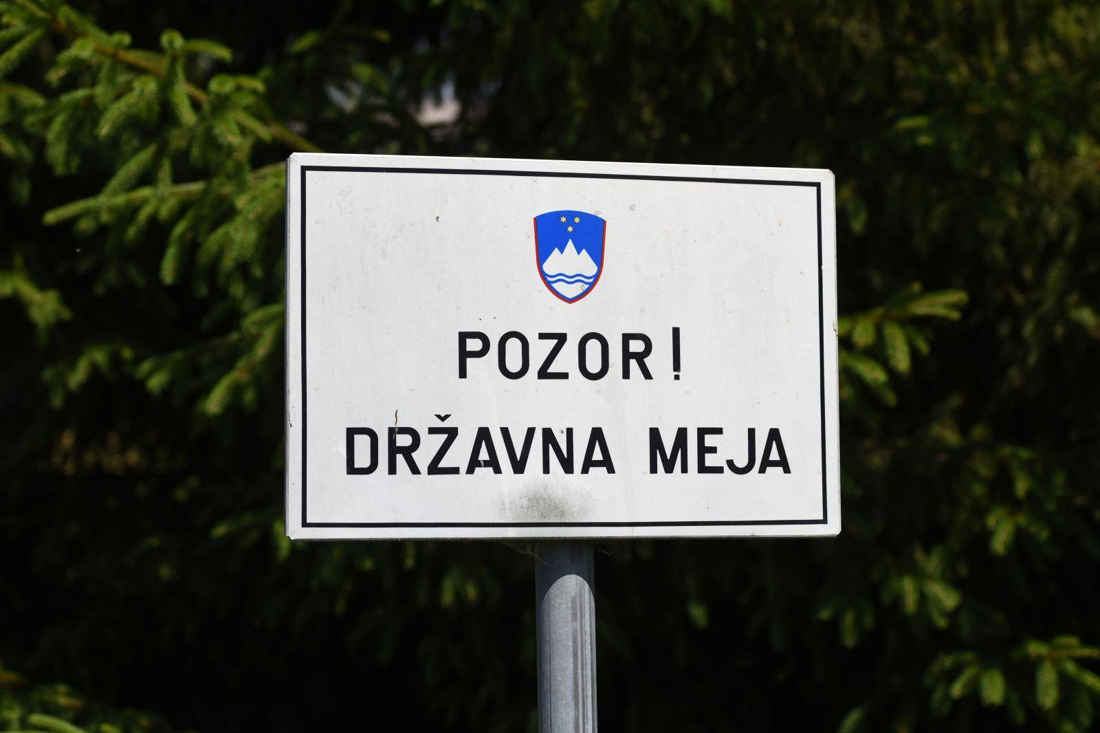 Vojne formacije na slovenskoj granici? 'Imaju ruske oznake'