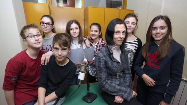 Učenici OŠ Manuš pripremaju i emitiraju novosti na radiju