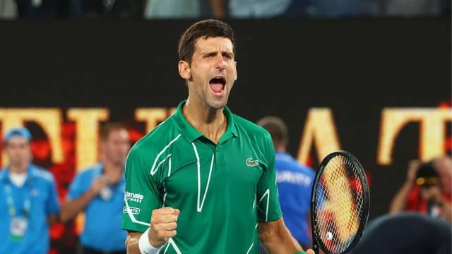 Novak pokazao moć: U tri seta slomio Federera za osmo finale