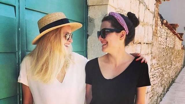 Prave kolegice: Mia Dimšić i Domenica uživaju u Veloj Luci