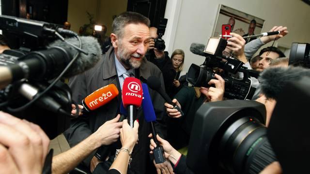 Oglasio se i ministar Barišić: Nije spomenuo svoju ostavku...