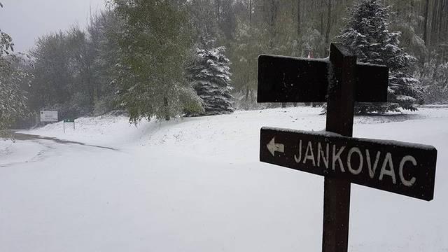 Snijeg u Hrvatskoj: 'Ako  padne ispod 0°C imat ćemo problema'
