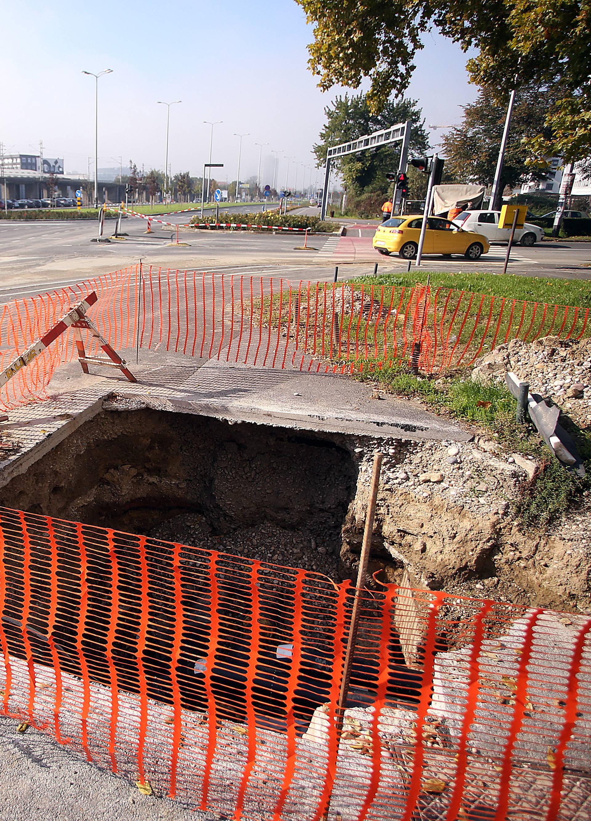 Ogromna rupa na jednoj od najprometnijih cesta u Zagrebu