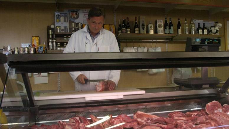 U radnoj akciji: Borut Pahor je šivao, pomagao cestarima...
