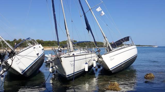 'Prilično su se preplašili,  a na brodu je mladić doživio šok...'