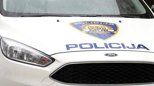 Pijani zadarski policajac pucao na svoj auto: 'Bio je rastrojen'