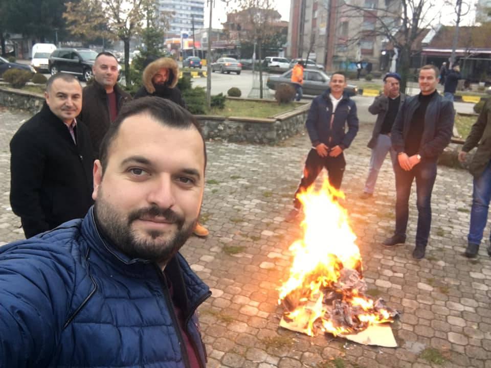 U znak protesta: Na Kosovu pale hranu uvezenu iz Srbije