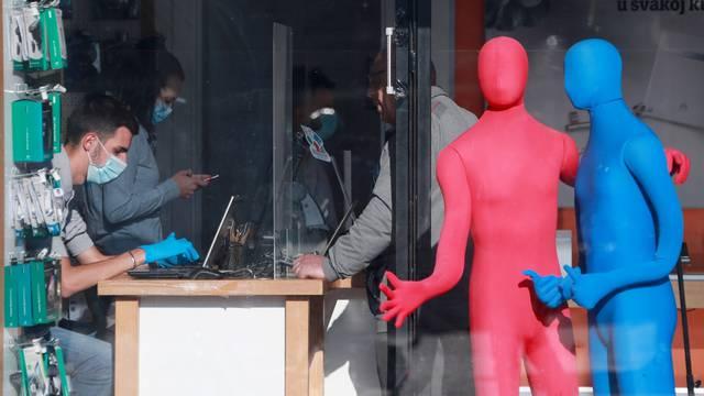Zagreb: Trgovine u centru grada pripremaju sa za dolazak prvih kupaca nakon popuštanja mjera