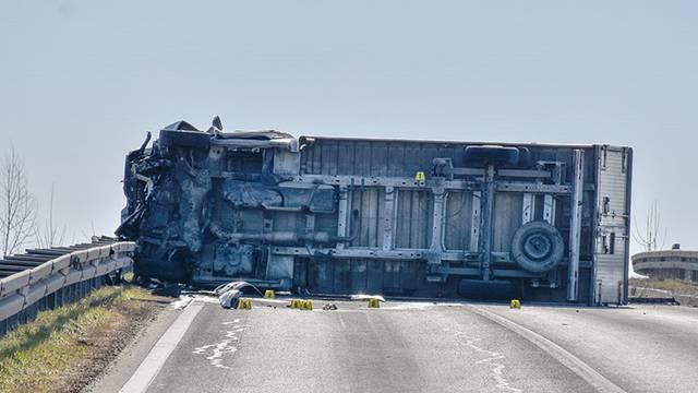 Sudar kamiona i auta blizu Velike Gorice, jedan mrtav