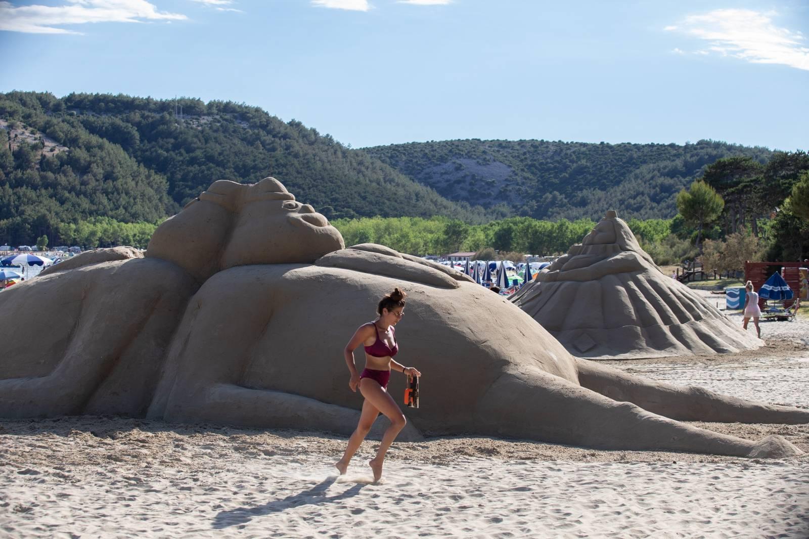 Završen je Festival skulptura u pijesku na Rajskoj plaži u Loparu na Rabu