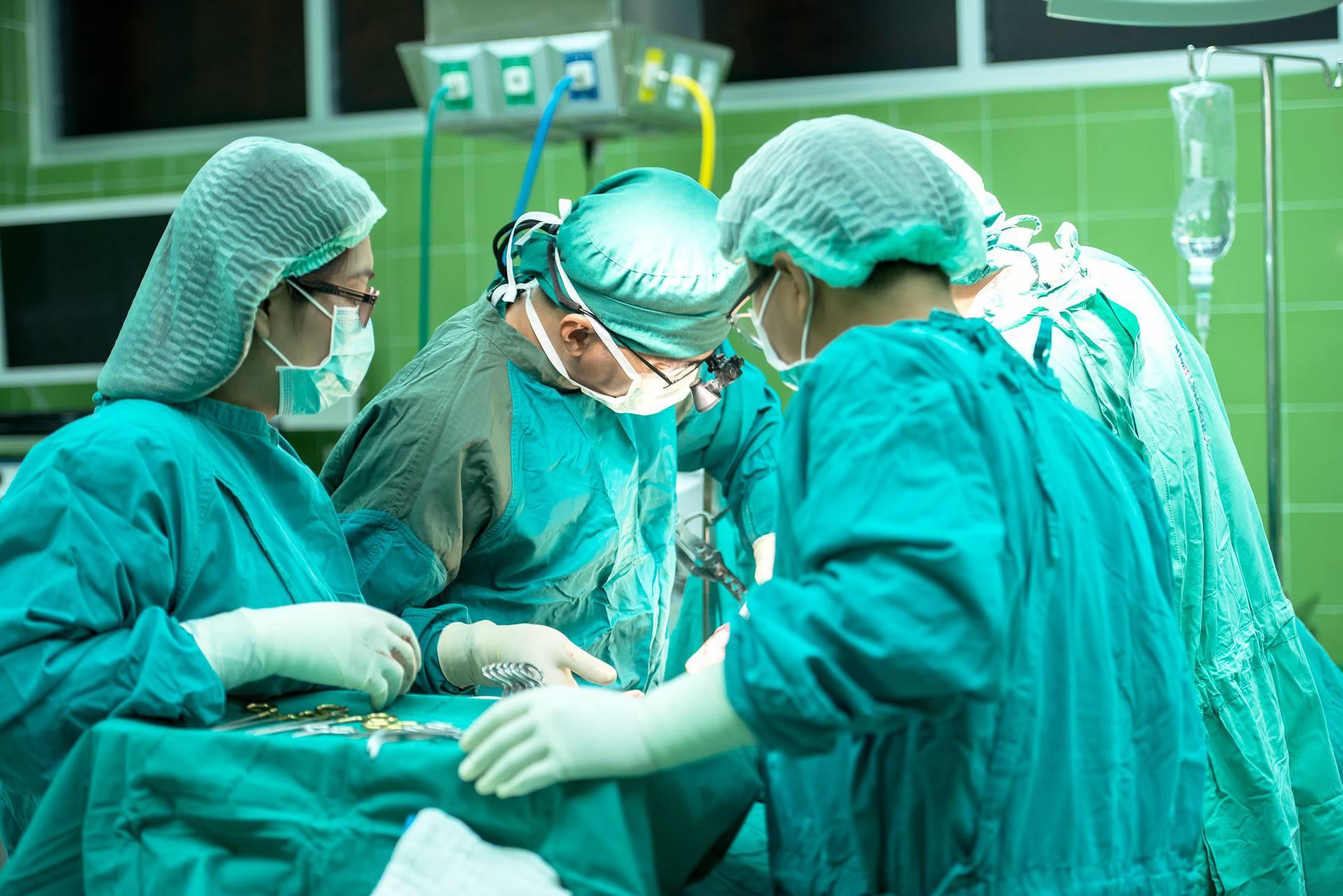 Kirurg je ženi odstranio zdravi bubreg jer je mislio da je tumor